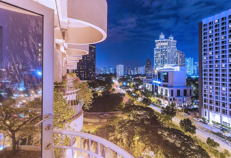 Copthorne Kings Singapore, Singapore, Deluxe Double Room, Balcony, Guest Room View