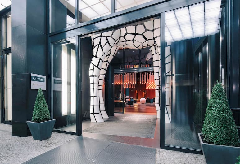 Pullman Berlin Schweizerhof, ברלין, הכניסה למלון