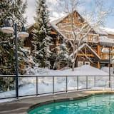Condo, 2 Bedrooms, Hot Tub, Ground Floor (Glacier's Reach 115) - Pool