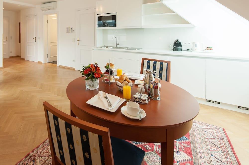 Apartment, 1 Schlafzimmer, Kochnische - Essbereich im Zimmer