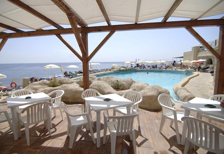 The Preluna Hotel, Sliema, Speisen im Freien