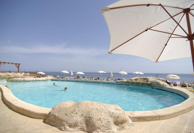 The Preluna Hotel, Sliema, Plaj