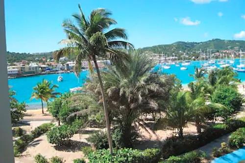 礁石飯店/