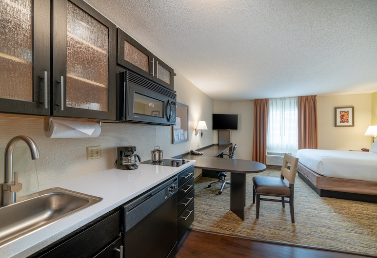 Candlewood Suites Herndon, an IHG Hotel, Herndon, Studio Suite, 1 Queen Bed, Non Smoking, Guest Room