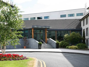 Picture of Green Isle Conference & Leisure Hotel in Dublin