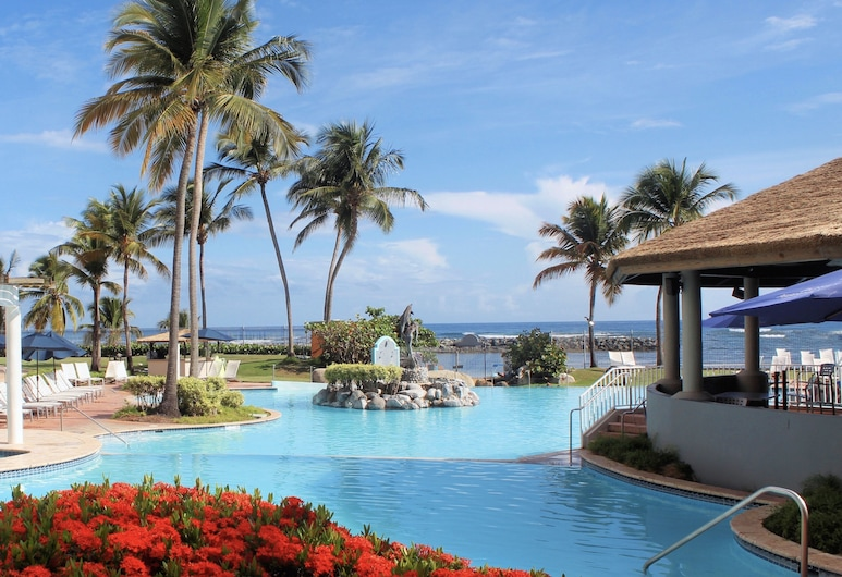 Embassy Suites by Hilton Dorado del Mar Beach Resort, Дорадо