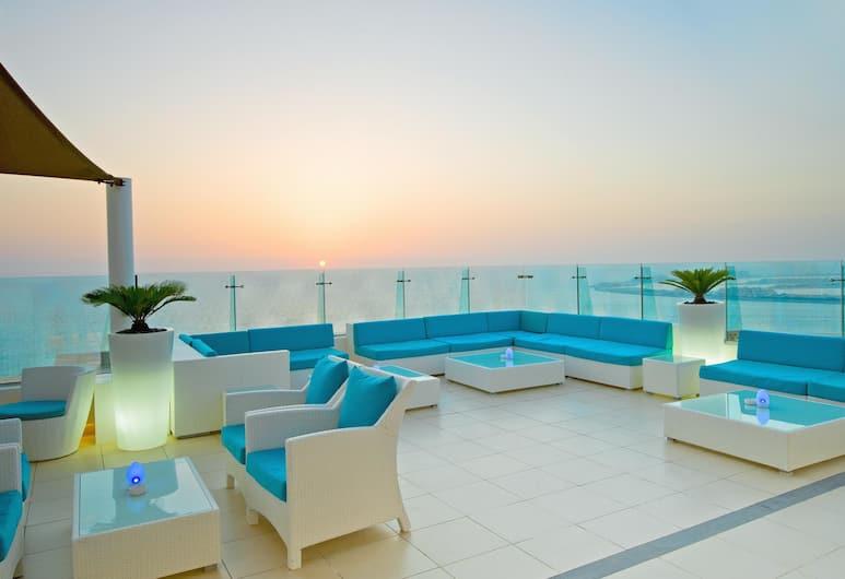 Hilton Dubai Jumeirah, Dubai, Terrace/Patio