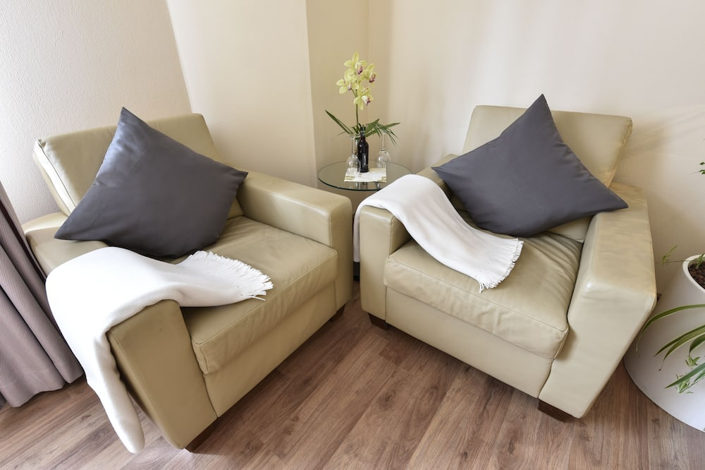 Double Room Single Use, 1 Double Bed - Living Area