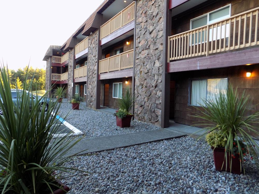 Chautauqua Lodge Long Beach
