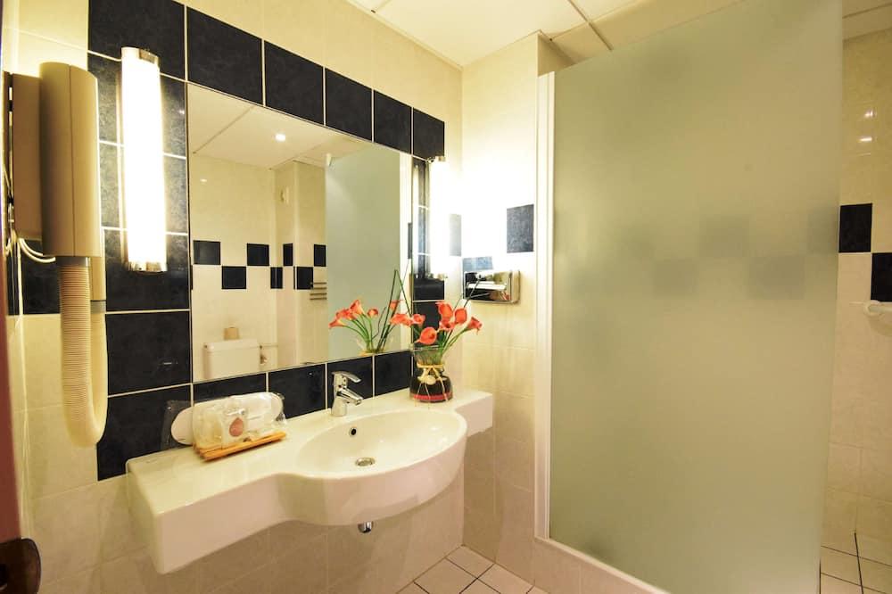 スタンダード ルーム ダブルベッド 1 台 - バスルーム
