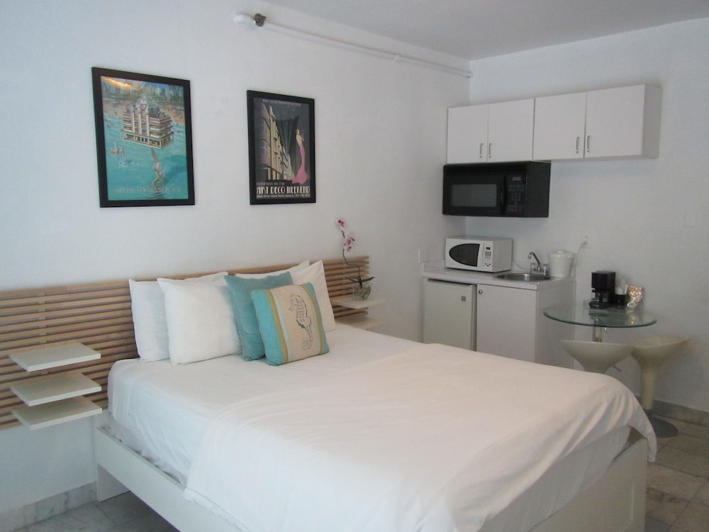 Royal South Beach Hotel Miami Deluxe Studio 1 Queen Bed Guest