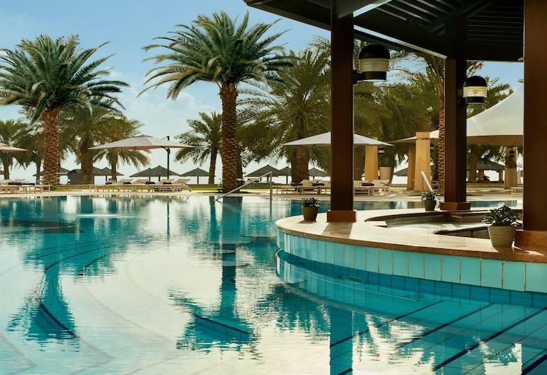InterContinental Doha, Doha, Bar del hotel