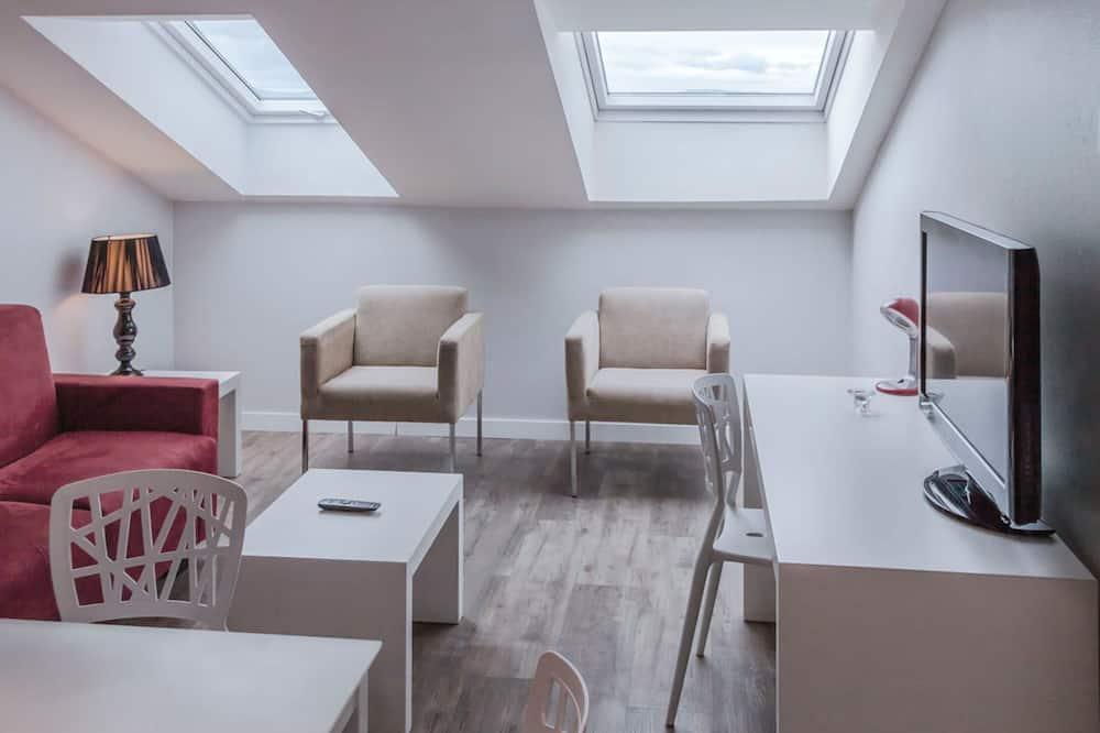 Suite Apartment Deluxe - Khu phòng khách