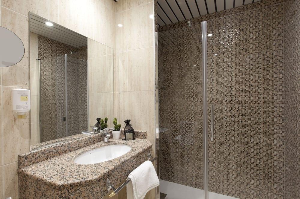 Deluxe-Doppelzimmer zur Einzelnutzung - Badezimmer