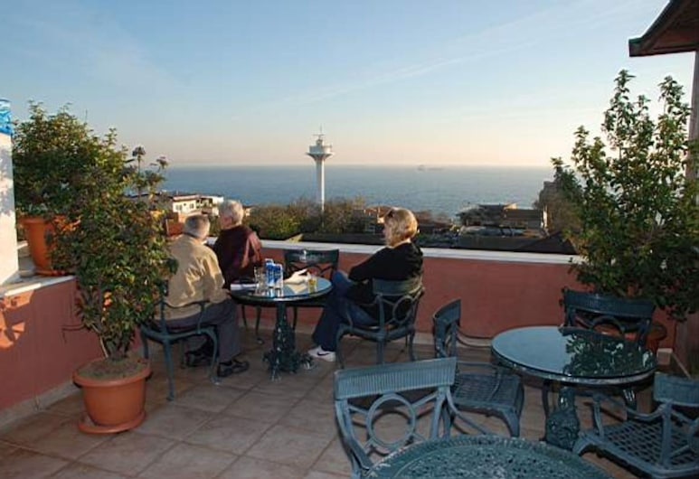 タシュコナック ホテル, イスタンブール, 屋上テラス