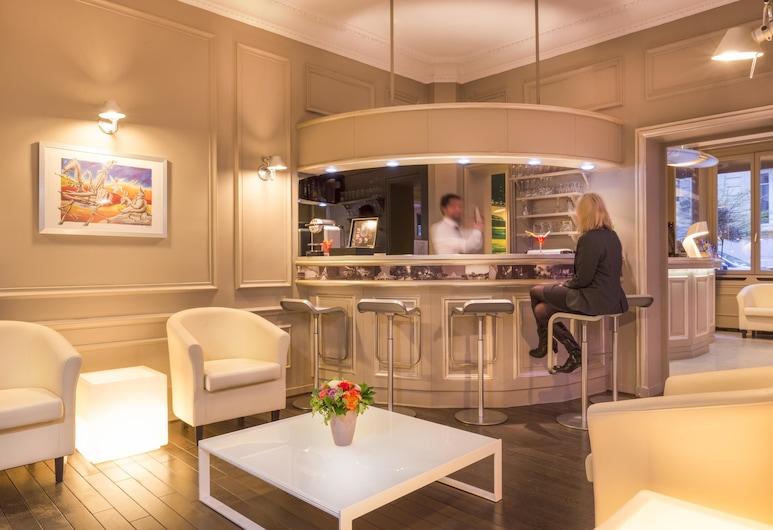 Hôtel Cervantes by Happyculture, פריז, בר המלון