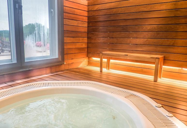 Hotel Costabella, Girona, Indoor Spa Tub