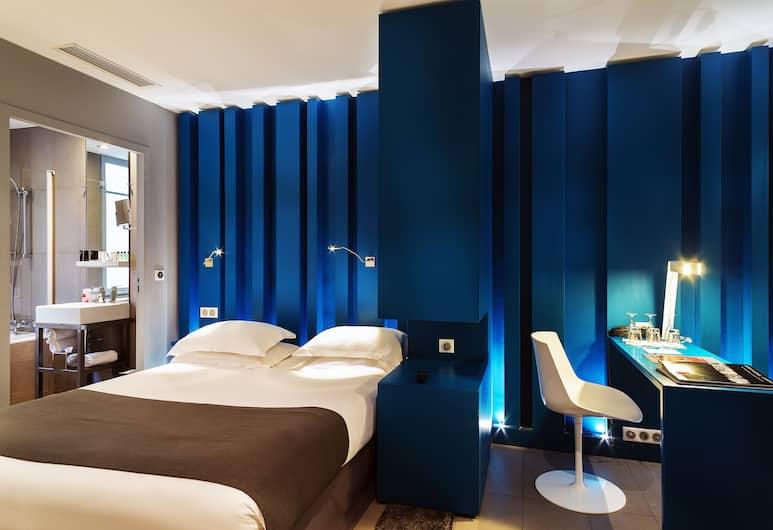 Hotel Arc de Triomphe Etoile, Paryż, Pokój dla 3 osób, Pokój