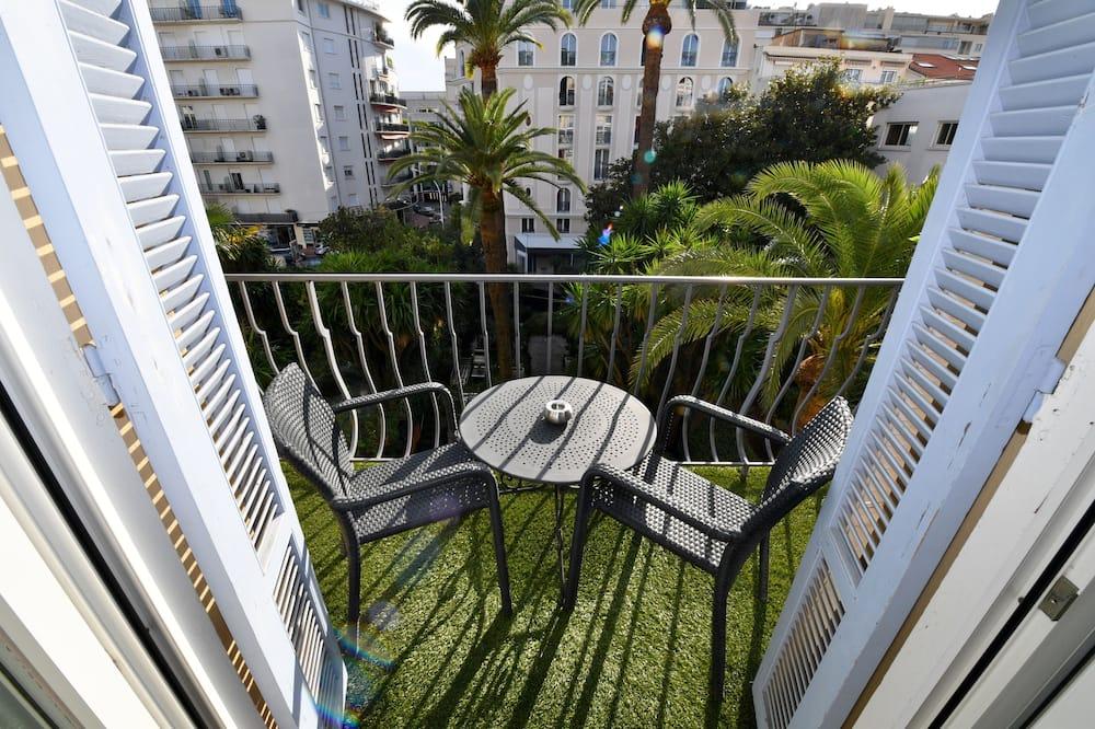 Dubbelrum - balkong - utsikt mot trädgården - Balkong