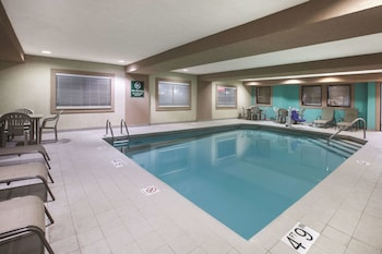 Picture of La Quinta Inn & Suites by Wyndham Erie in Erie