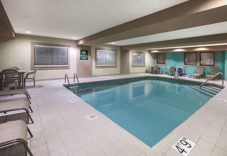 La Quinta Inn & Suites by Wyndham Erie, Erie, Bazen