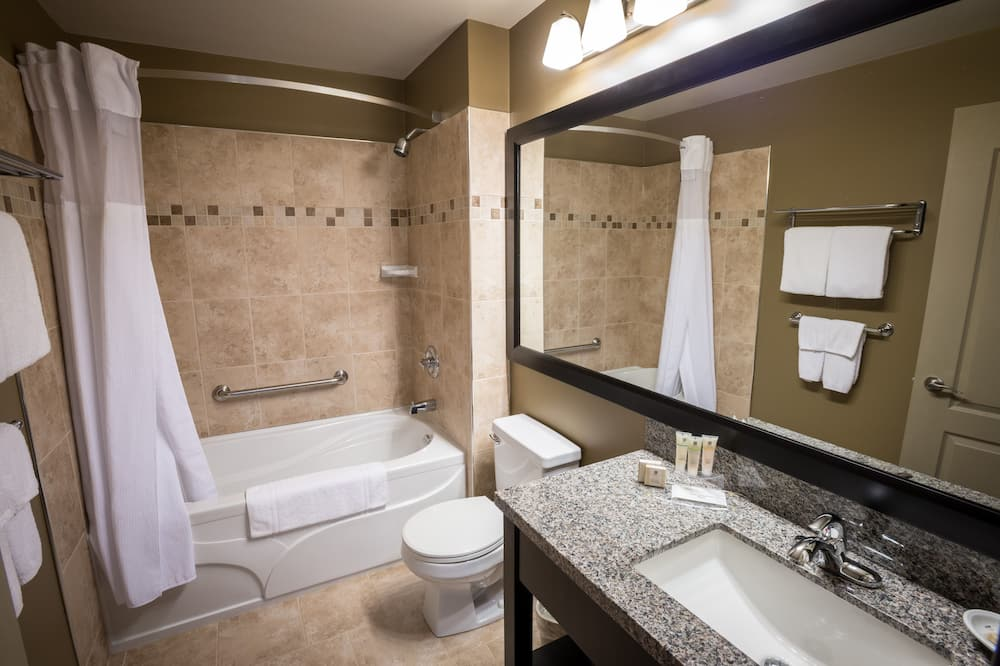 Standard Room, 1 King Bed, Non Smoking, Jetted Tub - Bathroom