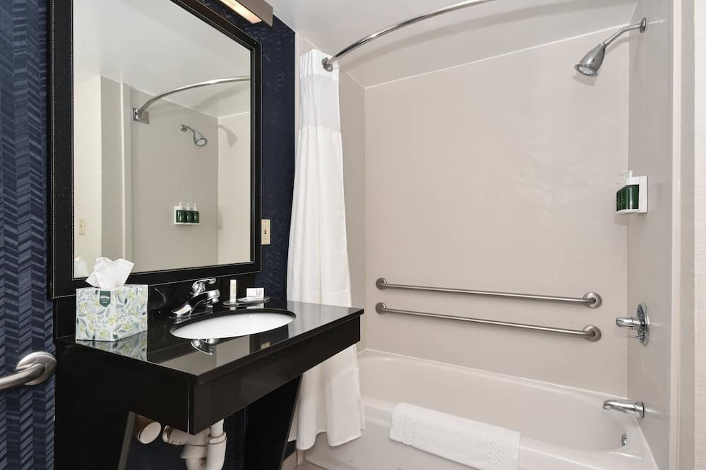 Oda, 2 Büyük (Queen) Boy Yatak, Sigara İçilmez - Banyo