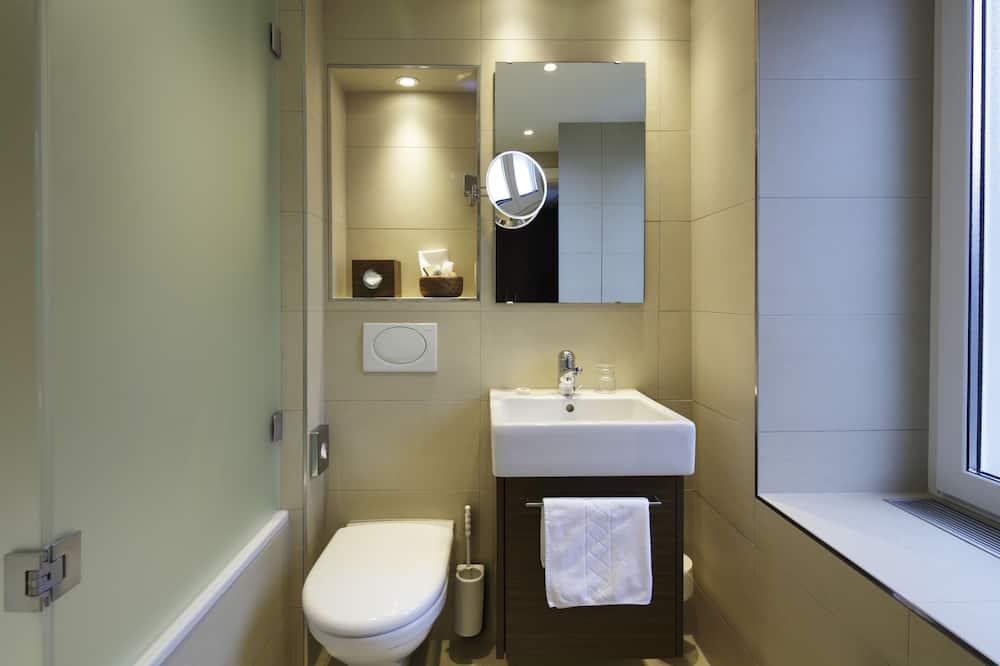 Single Room, 1 Bedroom, Non Smoking - Bathroom