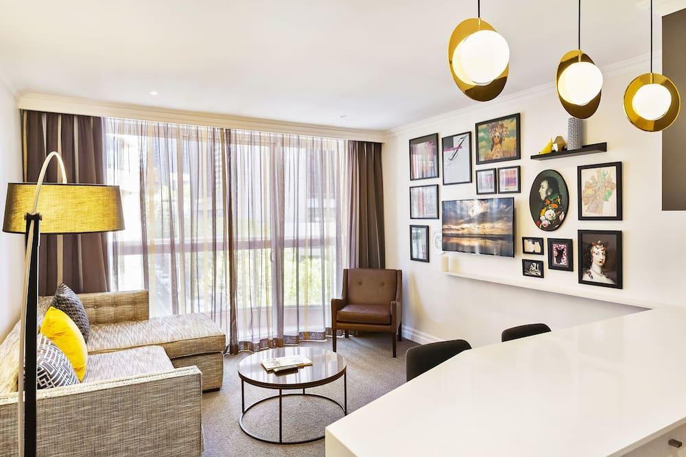 Executive Studio Mystery at Bond - Living Area