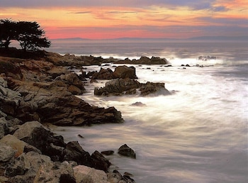 Enter your dates to get the Pacific Grove hotel deal