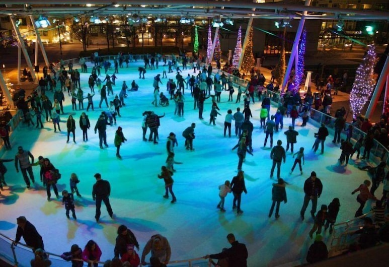 Marriott City Center, Salt Lake City, Patinaje sobre hielo