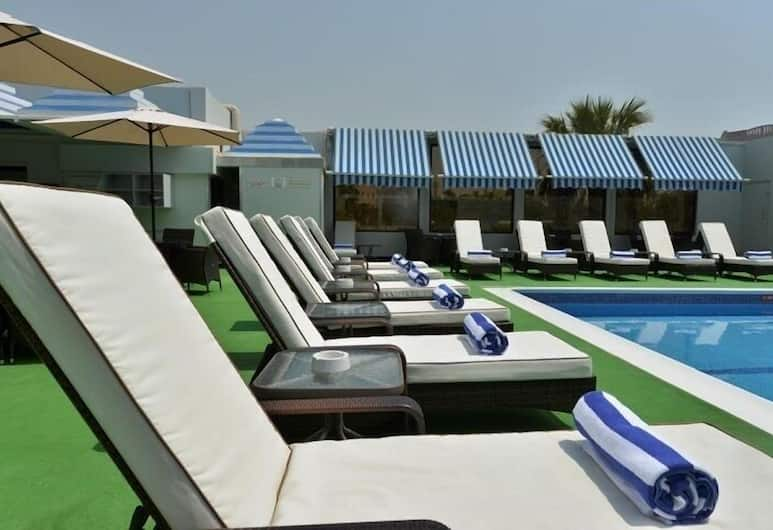 رامادا باي ويندام البحرين, المنامة, حمّام سباحة خارجي