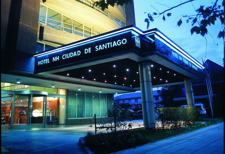 NH Ciudad de Santiago, סנטיאגו, הכניסה למלון