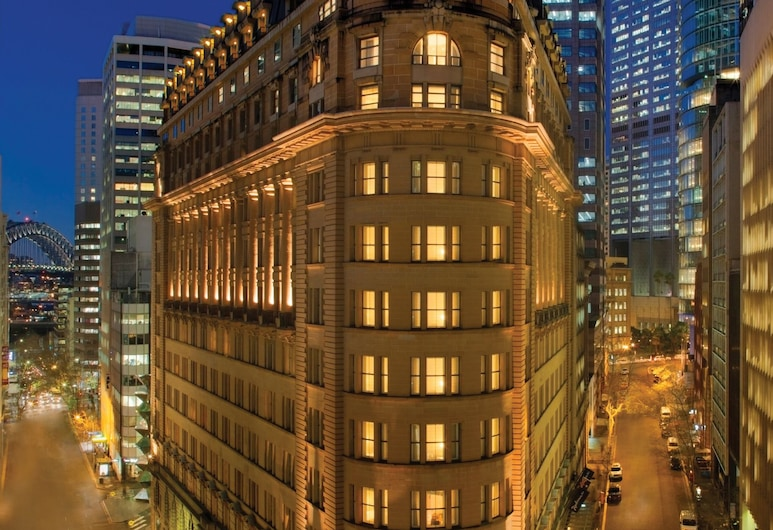 ラディソン ブル プラザ ホテル シドニー, シドニー, ホテルのフロント - 夕方 / 夜間