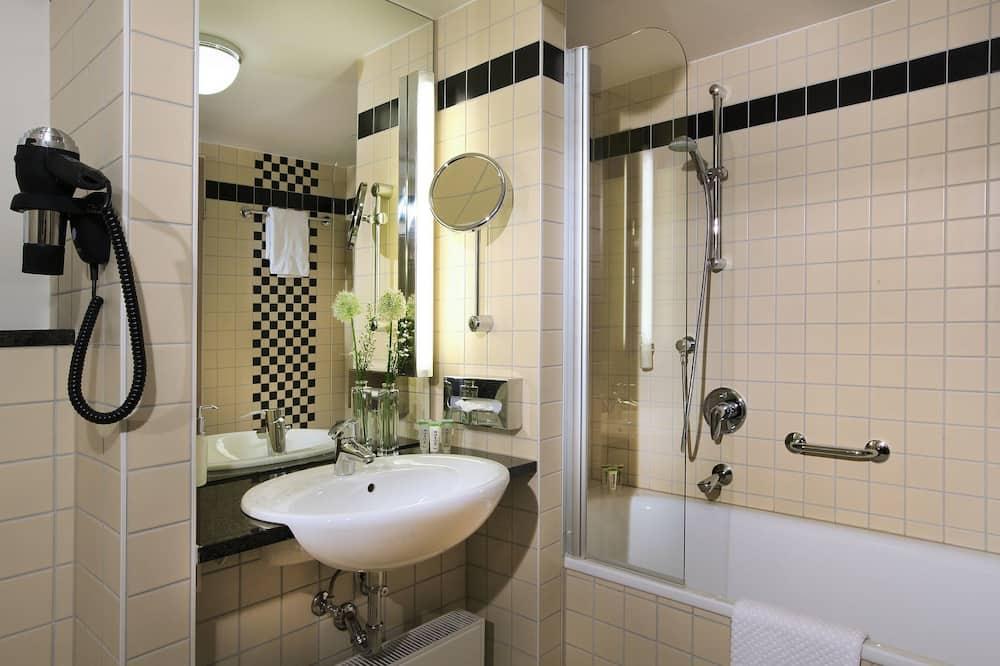 First Class Room - Bathroom