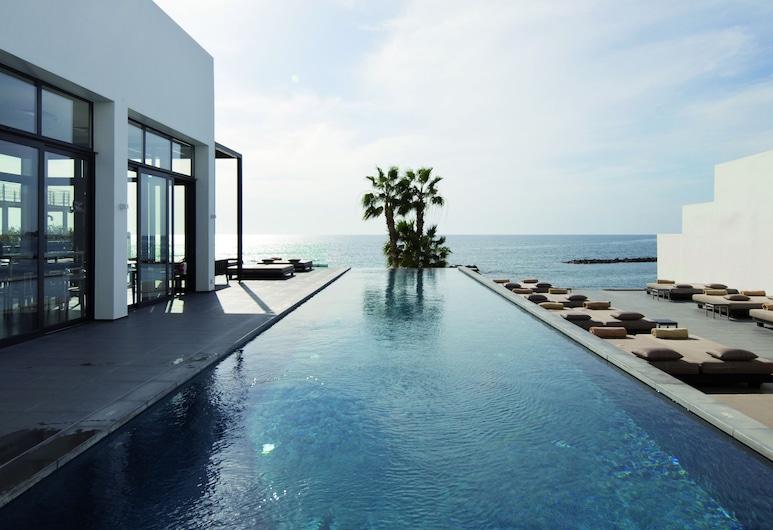 Almyra, Pafos, Pool