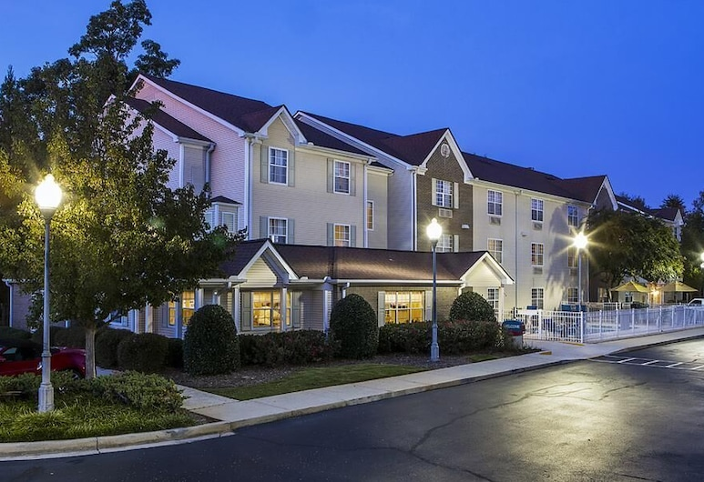 Suburban Extended Stay Hotel Greenville Haywood Mall, Greenville, Průčelí hotelu