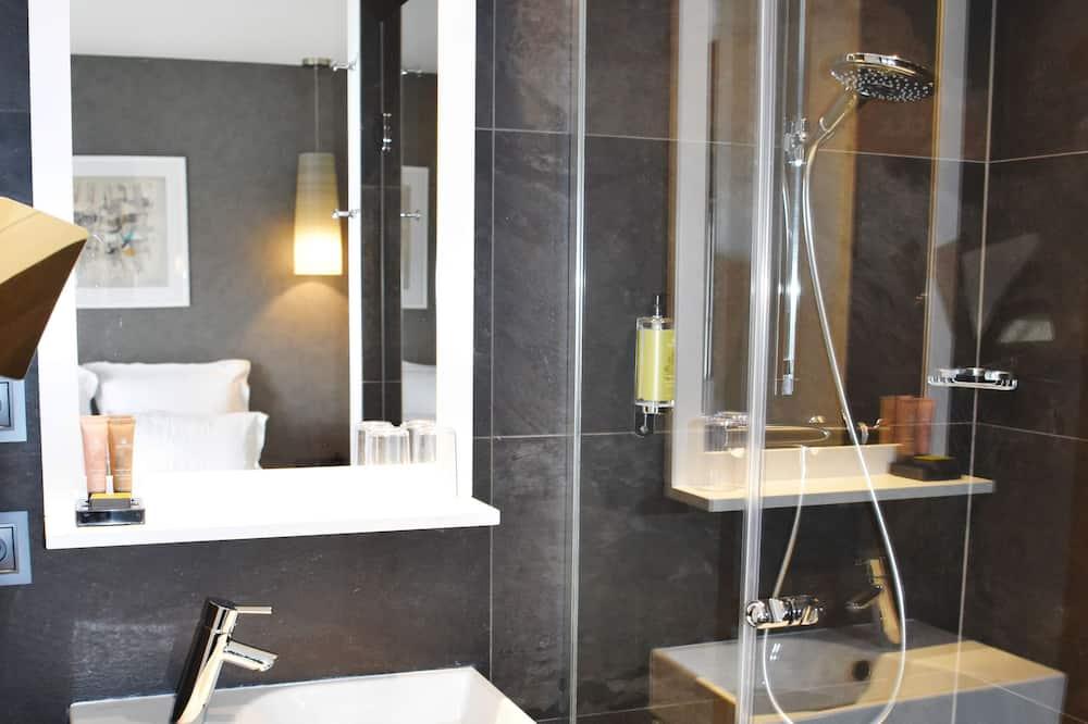 コンフォート ルーム クイーンベッド 1 台 - バスルーム