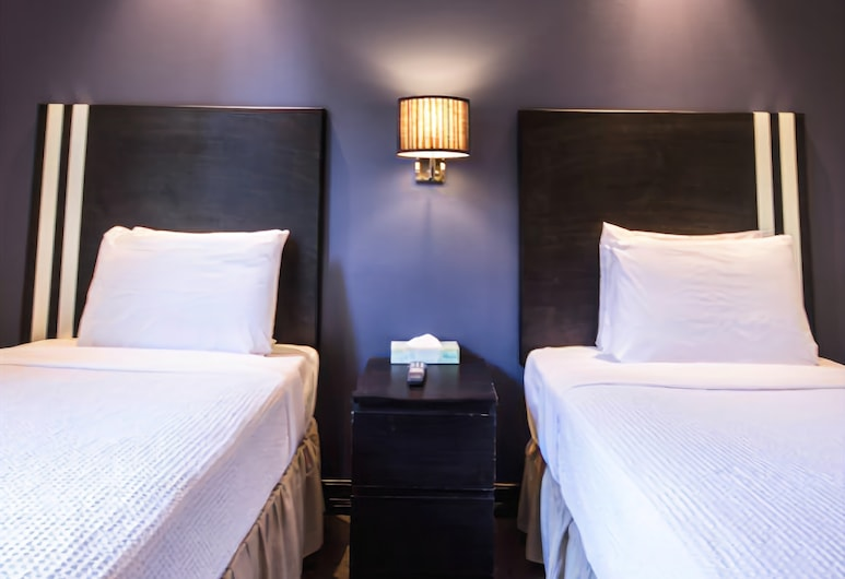 Broadway Hotel and Hostel, New York, Superior Twin Room, Guest Room