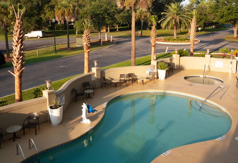 SpringHill Suites by Marriott Charleston Downtown Riverview, Charleston, Outdoor Pool