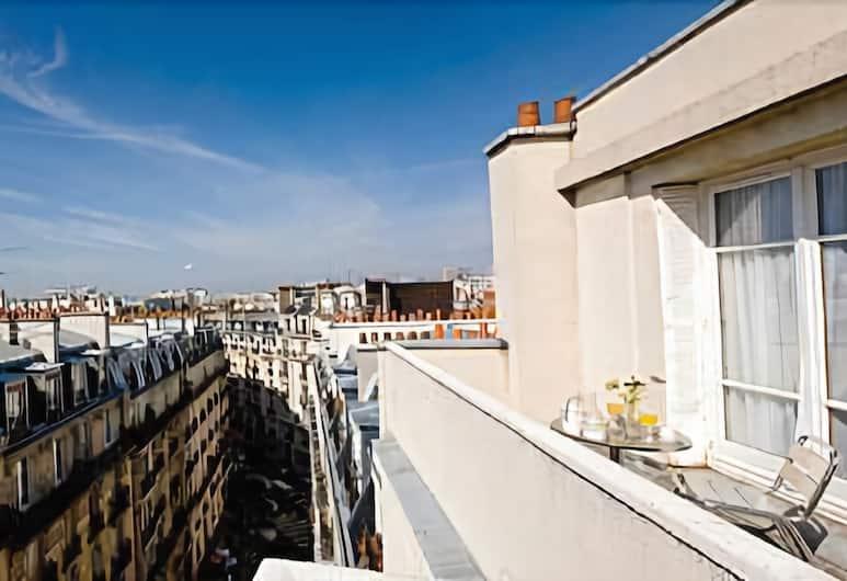 Lutece Hotel, Paris, Hotel Front