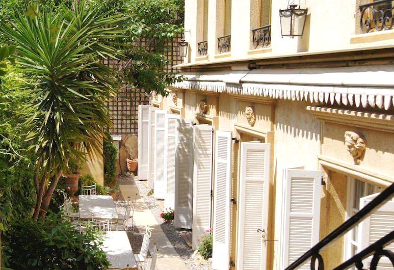 Ruc Hôtel Cannes, Cannes, Buitenkant