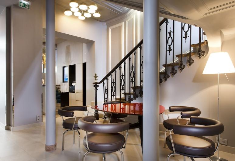 Hotel Libertel Gare de l'Est Francais, Paris, Sitzecke in der Lobby