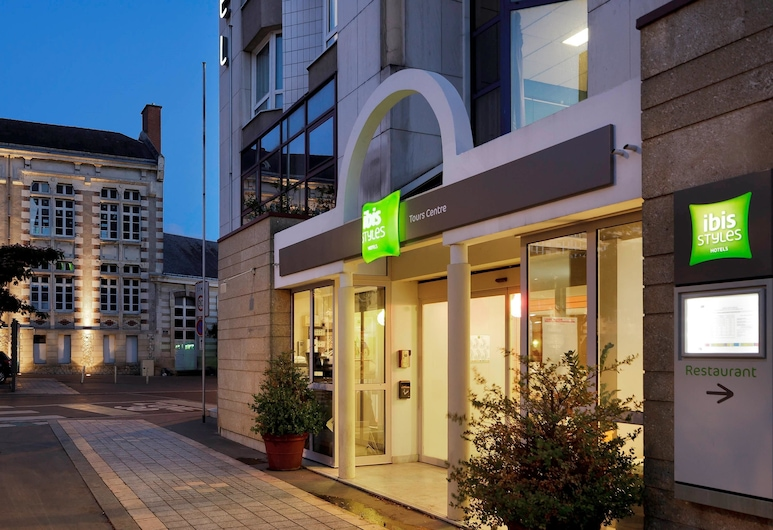 ibis Styles Tours Centre, Tours, Hotel Front