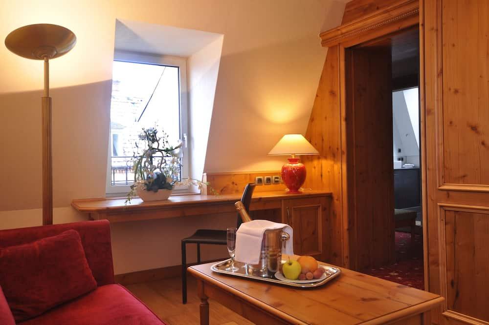 Kamar Quadruple - Ruang Keluarga
