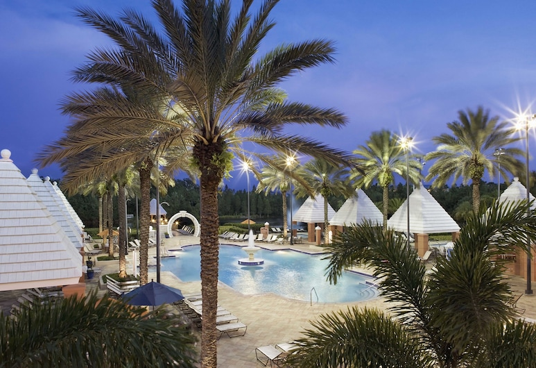 Hilton Grand Vacations at SeaWorld, Orlando, Outdoor Pool