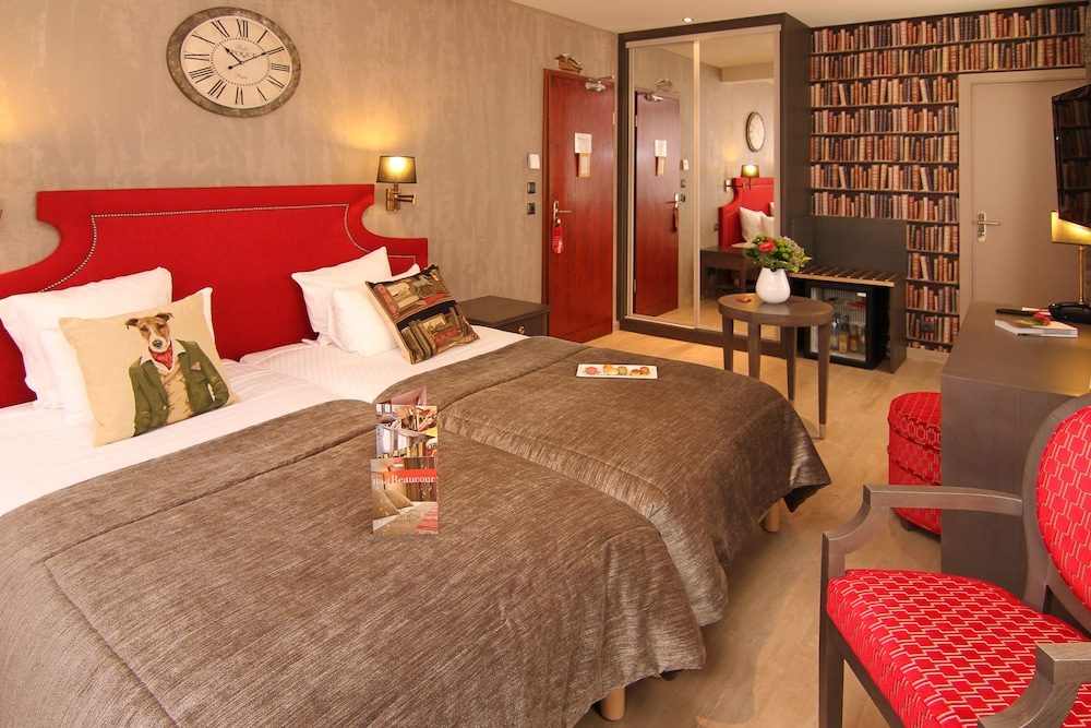 Hotel Beaucour, Strasbourg, Charming Double Or Twin Room, Whirlpool Bath,  Guest Room