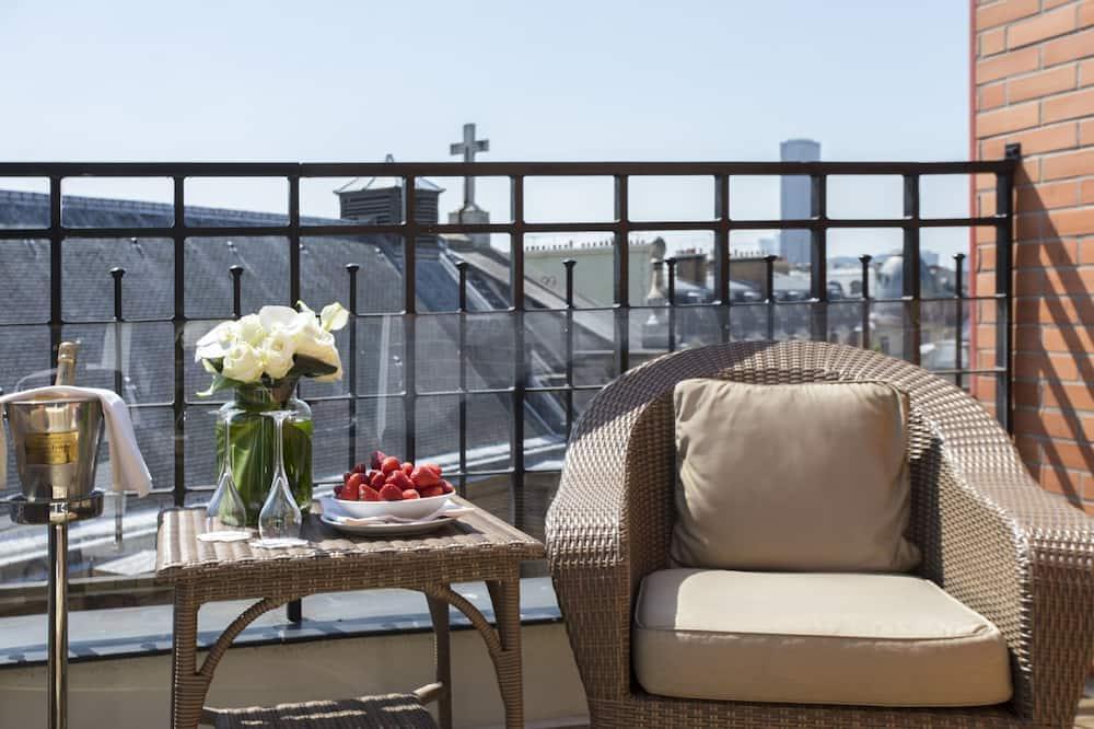 The 8th Floor - Balcony
