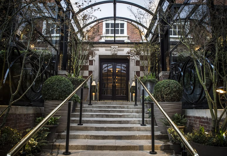The Bloomsbury, London, Hotel Entrance