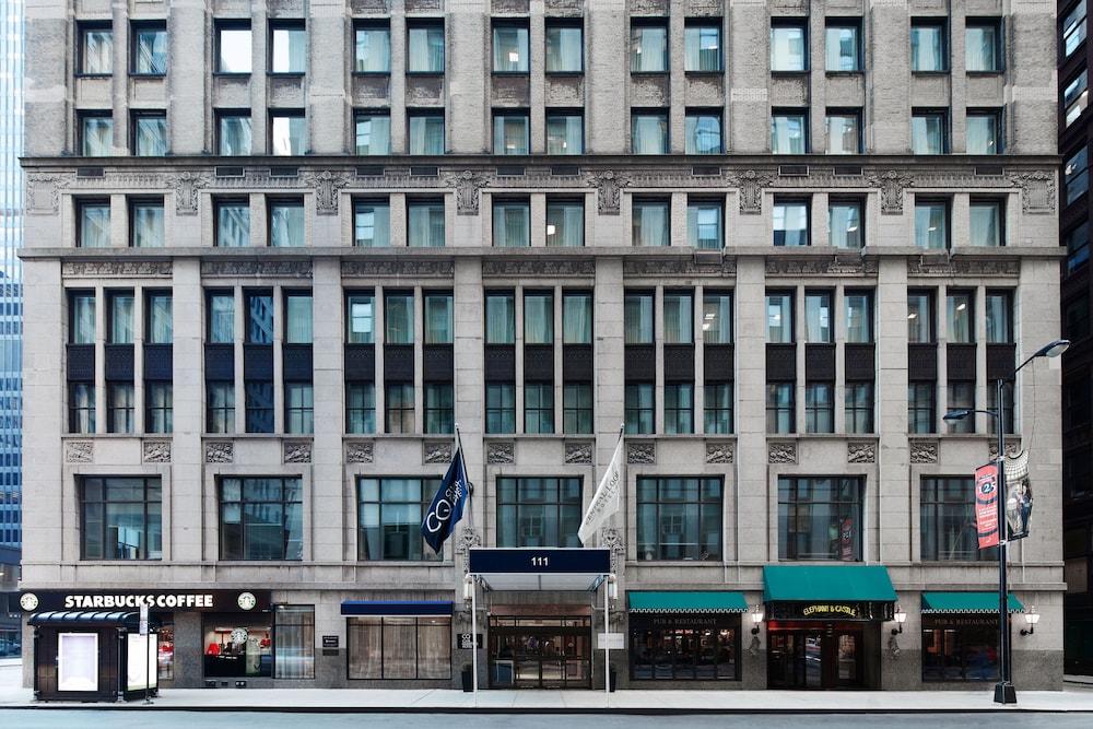book club quarters hotel central loop in chicago. Black Bedroom Furniture Sets. Home Design Ideas